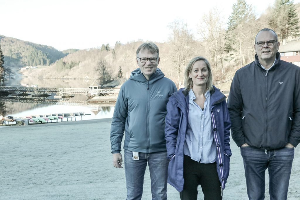 Ola Hovland COO ved UWC RCN, Kristin Kyrkjebø, økonomileiar og Thor Grane Personalleiar ved Røde Kors Haugland Rehabiliteringssenter AS